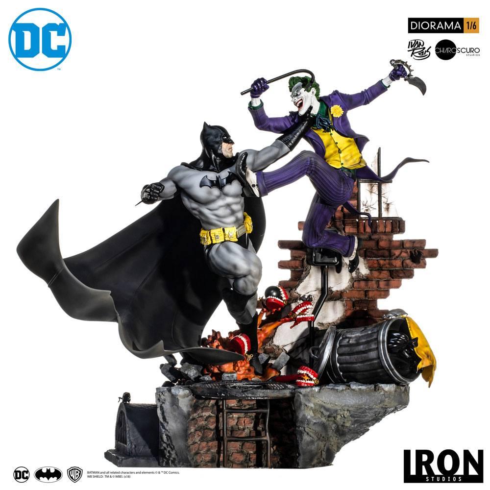 Batman vs Joker Battle (Ivan Reis) DC Comics 1/6 Scale Diorama by Iron Studios