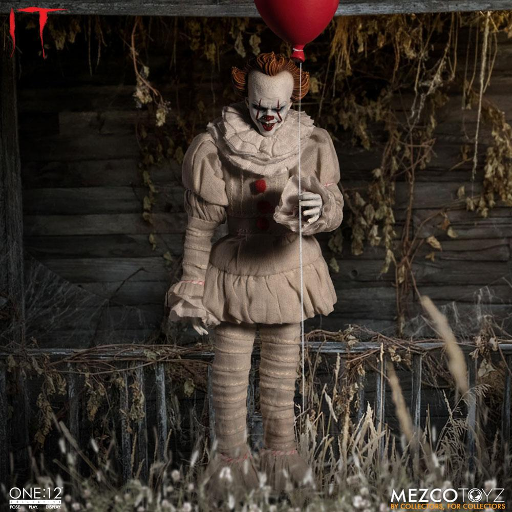 Pennywise Stephen Kings It (2017) 1/12 Scale Action Figure by Mezco Toys